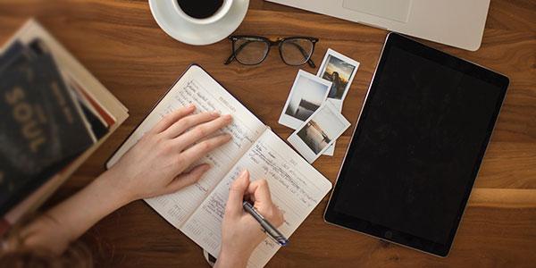 Menulis dan Menerbitkan Buku