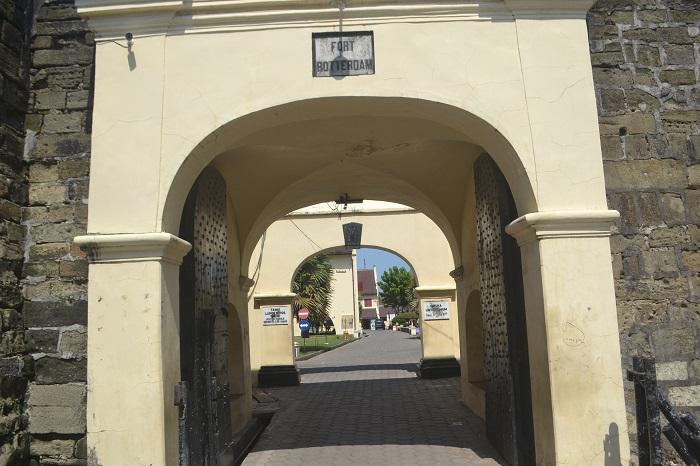 Pintu gerbang Fort Rotterdam. (foto: mfaridwm/palontaraq)